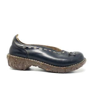 El Naturalista Navy Frog Shock Leather Clogs